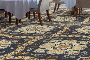 Custom Made Carpets / 4079